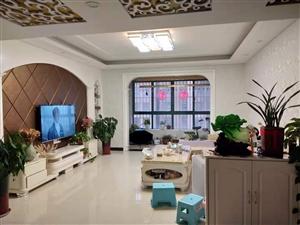 凤凰城3室2厅2卫80万元