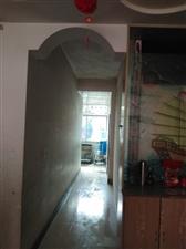 广场滨江花园4室2厅2卫83万元
