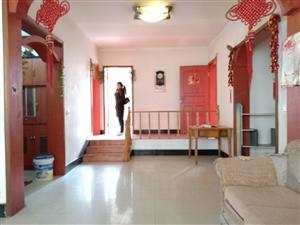 富民路下段小区房,套三错层双卫,空房随时可以看