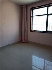 惠泽园小区简单装修3室2厅1卫96万元