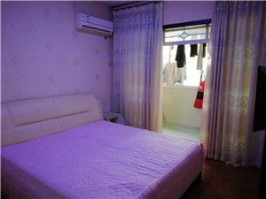 旺福名居附近隔楼家具家电齐全600元/月