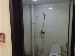 建材小区2室2厅2卫94万精装修