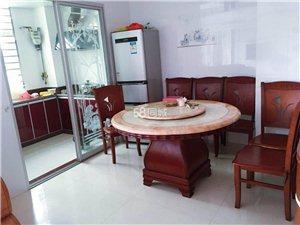 世纪豪庭3室2厅2卫2300元/月带家具家电