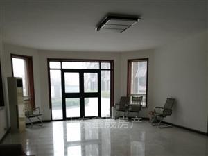 怡和名士豪庭4室2厅3卫222万元