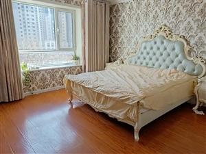 阳光城精装婚房,三室两厅两卫,带小房