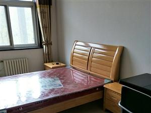 众恒华府3室2厅1卫850元/月出租