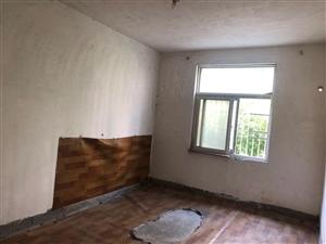 五小旁边惠民小区2室2厅2卫9000元/月