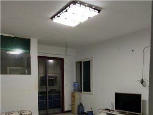大十字佳惠92平米3室1厅全配1700元/月