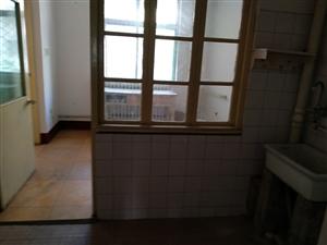 登瀛小区一楼,2室2厅1卫,700元/月