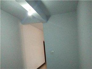 小十字1室1厅1卫400元/月