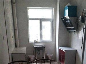 华域郦都3室2厅2卫850元/月精装修