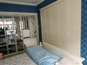 温馨佳苑电梯房,79平两室两厅豪华装修,带小房