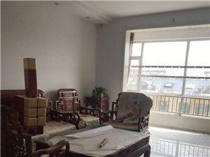 怡和名士豪庭3室2厅1卫1450元/月