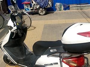 爱玛电动车电摩 去年8月份才换的5个20电瓶 电瓶跑100多里地没问题 特别好骑 没毛病