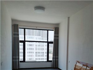 圣庄园附近三室两厅电梯新房可办公1100元