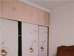 合江二转盘福地御景城电梯房精装3室 2厅 1800