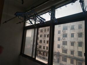 造纸厂家属楼3楼两室两厅22万