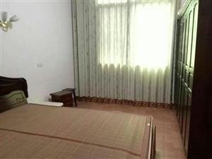 小广场4室2厅1卫1500元/月拎包入住