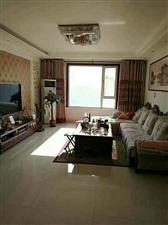 巴黎庄园3室2厅2卫精装16楼东户157平95万