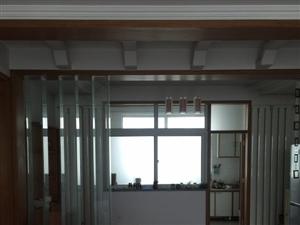 天山花园2楼130平带车库1800/月拎包入住