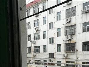 建设局3室1厅1卫1000元/月