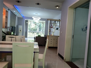 碧海明珠3楼3室2厅2卫,双阳台卧室带飘窗,随时看