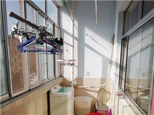 玻璃厂3室2厅2卫50万元