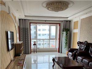 风和日丽3室2厅2卫2100元/月