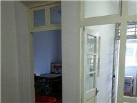 碧霞小区3室1厅1卫81平米+附房55.8万元