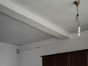 马市角4室2厅2卫700元/月拎包入住