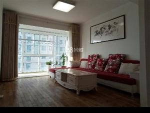 龍宇酒店式公寓3室2廳1衛2200元/月