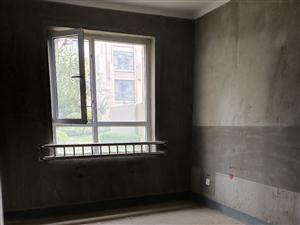 东湖旁的高档小区3室2厅2卫73万元