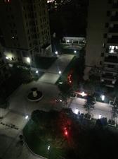 现在小区的夜晚是如此的清静
