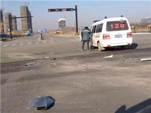 涡阳120救护车闯红灯,酿成车祸!