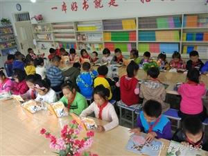 儿子学校的读书环境还是不错的