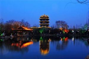 泉城夜景来袭,大明湖夜景美不胜收。