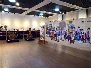 张家川第一届文化创意产品展览在县博物馆全面开放