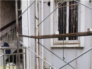 澳门永利注册金码头城46号楼厨房排水管单独铺设工程