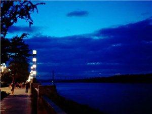 蓝色的合江