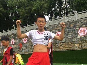 小足球大梦想咸丰青少年足球训练??报名中!
