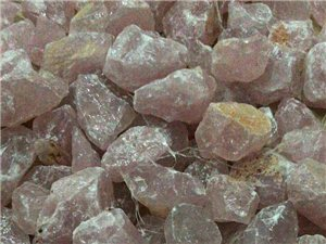 水晶石,原石,有需要的请联系17791603498,微信同号。