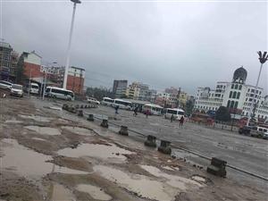 无人问津的潢川火车站