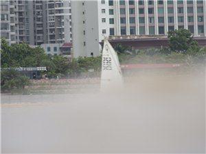 波涛汹涌,看这群玩海的孩子如何应对挑战