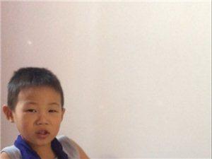上学期间我儿子在平岗镇?#19979;?#26449;小太阳幼儿园摔骨折了,在中医院治疗的费用都是我们自己出的,出院后找幼儿园