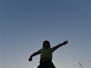 梧州西江遇见爱飞的孩子