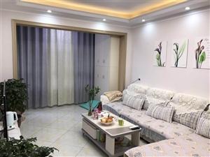 [住房出售] 位置:城中心 面积:87平方米 户型:两室两厅一卫 价格:47万 电话:18...