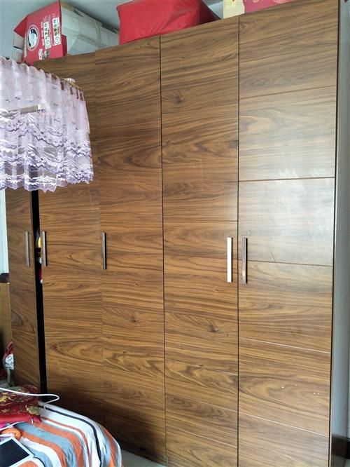 最近准备搬家,由于家具和新家装修风格不协调,9.5成新,品牌三叶家私五门柜(2.3米高,2.4米长,...