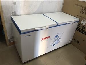 自用大冰柜一台,因闲置现低价转让,买了一年,除上面有轻微划痕外,其它几乎全新,冰柜在杨凌,有需要的联...