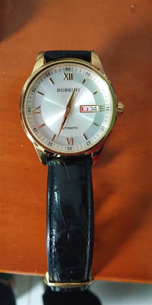 罗西尼手表,原价1000现转手600元
