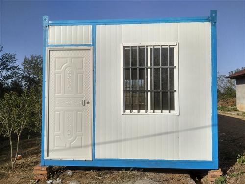 住人集裝箱房廠家直銷 規格:6*3*2.7米(可定做,改裝) 生產的住人集裝箱房,采用A級防火地...